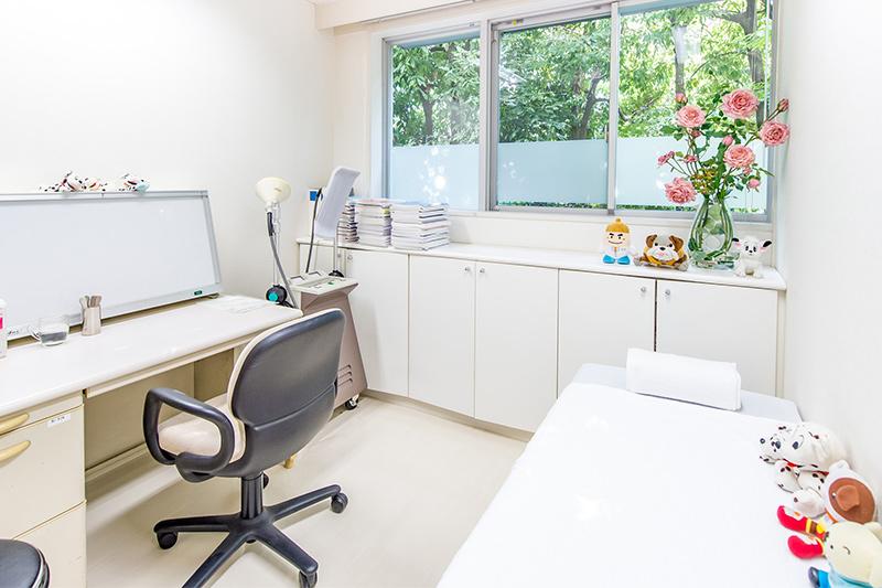 診察室3(小児用)